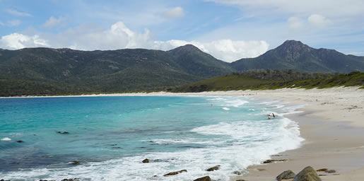 camping wineglass bay